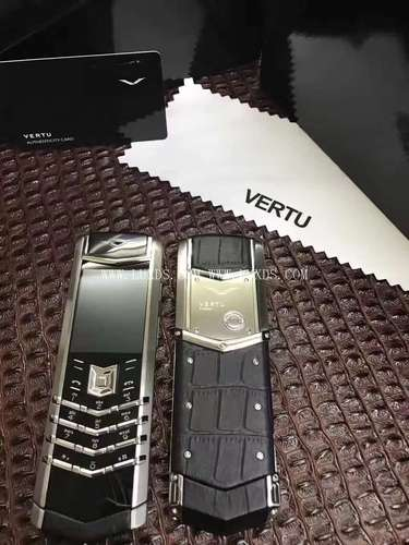Vertu Signature Silver Black Crocodile Leather